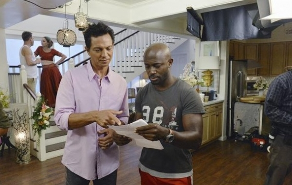PAUL ADELSTEIN, AMY BRENNEMAN; FOREGROUND: BENJAMIN BRATT, TAYE DIGGS    at Behind-the-Scenes Look at ABC's PRIVATE PRACTICE!