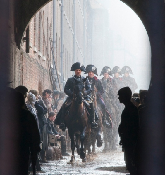 Photo Flash: Check Out the Latest LES MISERABLES Film Stills Featuring Anne Hathaway, Samantha Barks and More!