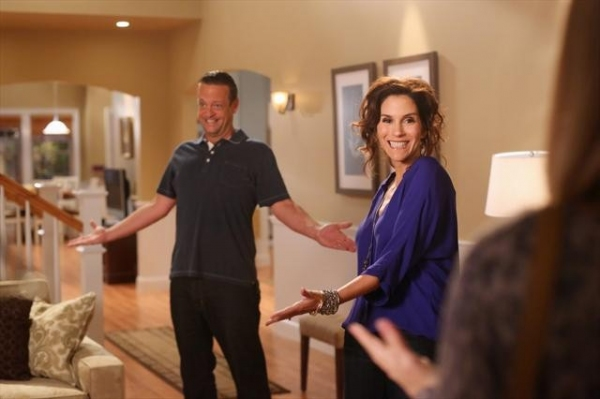 LENNY VENITO, JAMI GERTZ at Preview THE NEIGHBORS on 10/10!