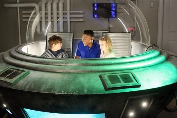 MAX CHARLES, CARLON JEFFERY, ISABELLA CRAMP at Preview THE NEIGHBORS on 10/10!