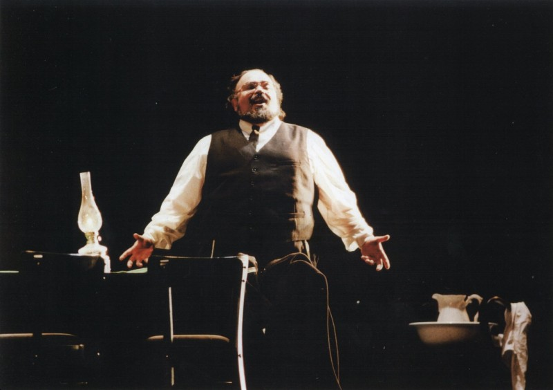 Tenor Francisco Casanova to Herald Start of Verdi Bicentennial, 10/7