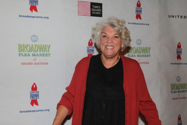 Tyne Daly  at 2012 BC/EFA Flea Market - Celebrities Backstage