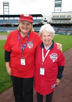 Photo Flash: Real 'LEAGUE OF THEIR OWN' Players Celebrate 70th Anniversary & DVD Release