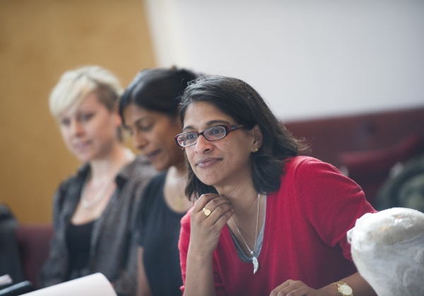 Indhu Rubasingham directing Red Velvet, beside Lolita Chakrabarti (writer) and Imogen Knight (choreographer)