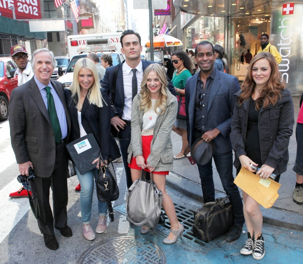 Photo Exclusive: Cheyenne Jackson, Henry Winkler and THE PERFORMERS Cast Takes Times Square!