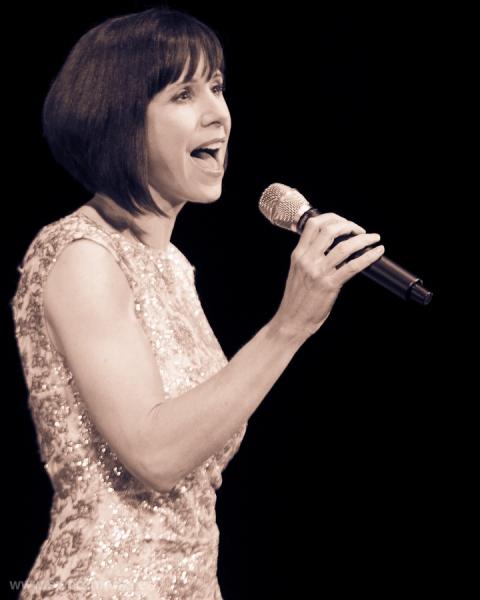PHOTO FLASH: Susan Egan En Concierto en el Compac Gran Vía