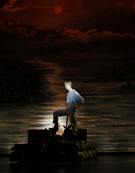 Photo Flash: First Look at Rodney Hicks, Randy Scholz and More in Village Theatre's BIG RIVER
