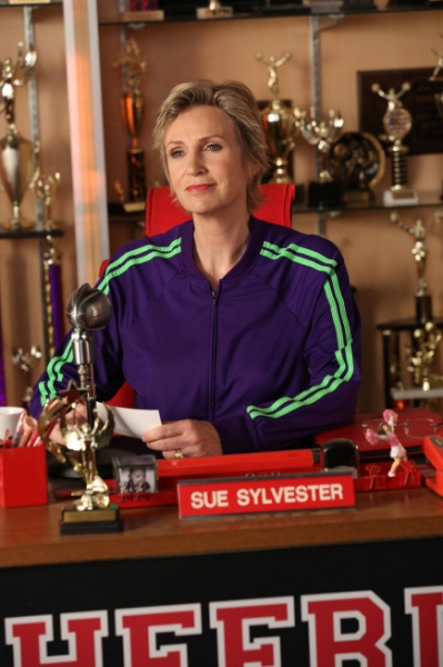 Jane Lynch at Photos and Audio: Tonight on GLEE- ANNIE and More!!