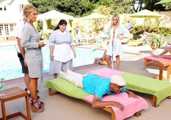 Cheryl Lines, Bunnie Rivera, Ken Whitingham, Carly Chaikin at Behind-the-Scenes Look at  SUBURGATORY Season Premiere