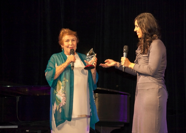 Helen Reddy receives the 'Woman of the Year' award from Michelle J. Patterson on behalf of the CA Womens Conference at Stars of Stage, Screen, TV & More Gather in Support of CA Women's Conference