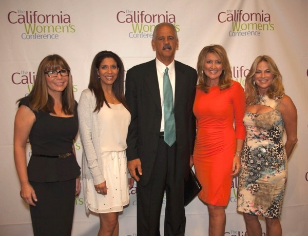 CA Anchor women and CWC Speakers, Ana Garcia, Christine Devine, Wendy Burch and Dorothy Lucey posse with fellow speaker Stedman Graham.