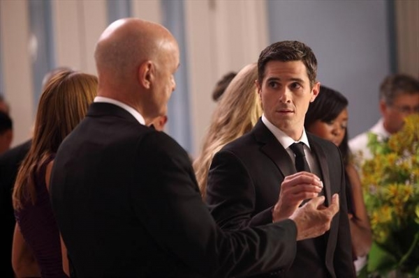 Photo Coverage: Sneak Preview of 666 PARK AVENUE on 10/21