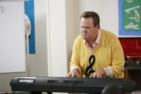 ERIC STONESTREET at Sneak Preview at MODERN FAMILY's 10/17 Episode