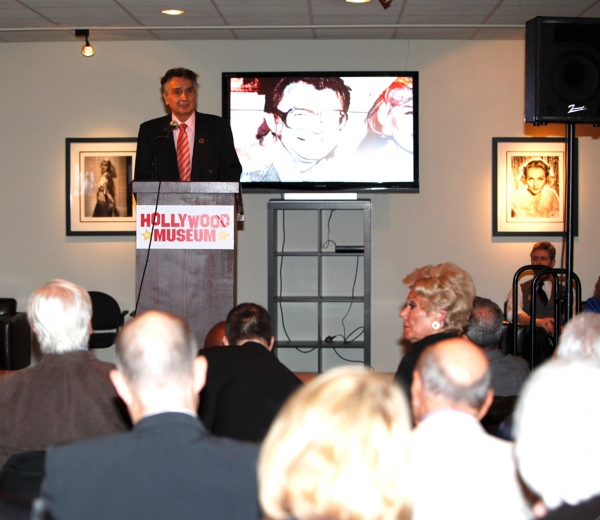 Photo Flash: Over 300 Stars Gather to Celebrate Life Industry Advocate Dale Olson