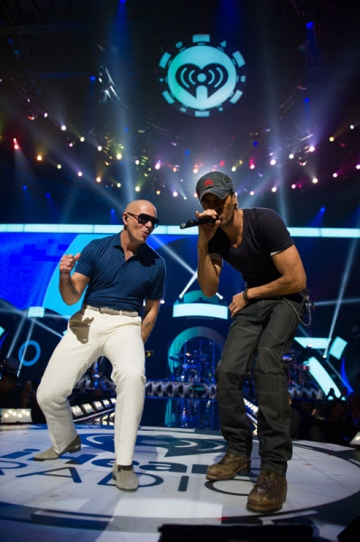 Photo Flash: Extended Look at iHeartRadio Music Festival, Airs Tonight on The CW