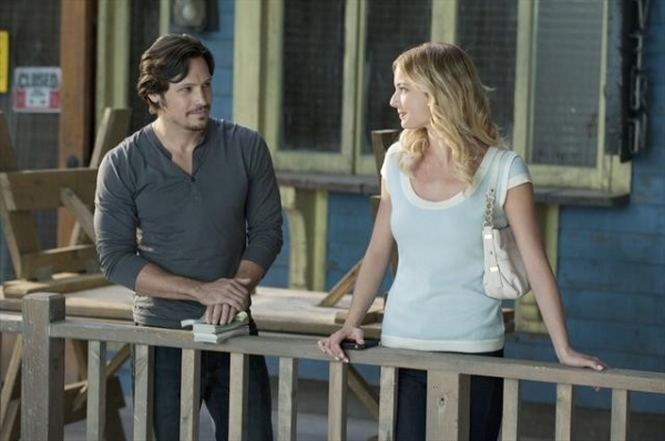 NICK WECHSLER, EMILY VANCAMP at First Look at Oct. 14 Episode of REVENGE