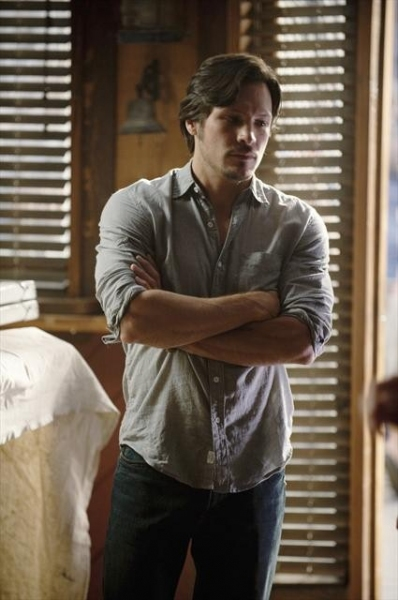 NICK WECHSLER at First Look at Oct. 14 Episode of REVENGE