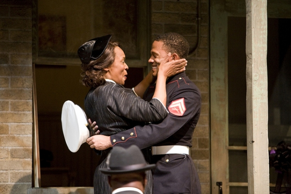 BWW Reviews: Denver Center's FENCES - Engaging Ensemble!