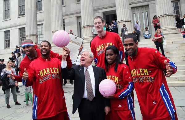 Photo Flash: BP Markowitz Welcomes Harlem Globetrotters to Brooklyn