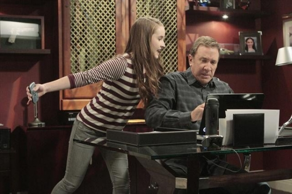 KAITLYN DEVER, TIM ALLEN    at First Look at 11/2 Episode of LAST MAN STANDING