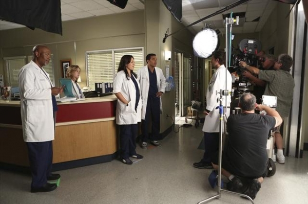 JAMES PICKENS JR., TINA MAJORINO, SARA RAMIREZ, JESSE WILLIAMS, PATRICK DEMPSEY    at Behind-The-Scenes Look at Last Night's GREY'S!