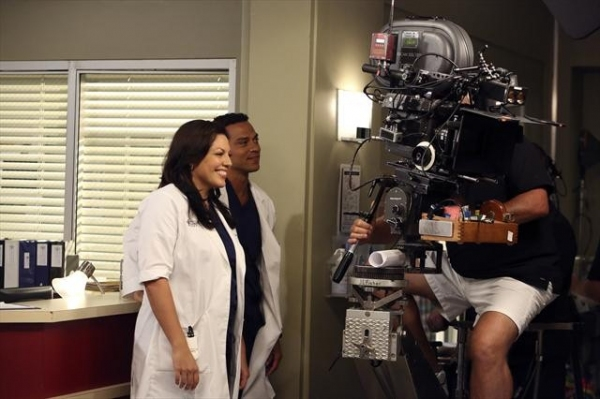 SARA RAMIREZ, JESSE WILLIAMS    at Behind-The-Scenes Look at Last Night's GREY'S!