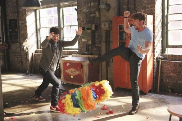 ADAM PALLY, ZACHARY KNIGHTON    at First Look at 10/30's Episode of HAPPY ENDINGS