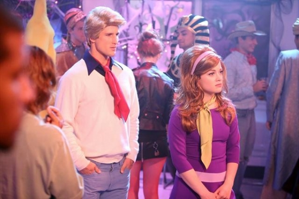 PARKER YOUNG, JANE LEVY    at Sneak Peek at SUBURGATORY's Halloween Episode