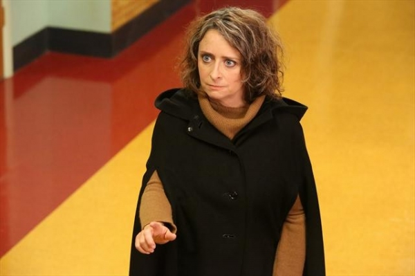 RACHEL DRATCH    at Sneak Peek at SUBURGATORY's Halloween Episode