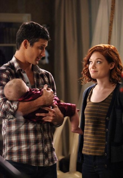 PARKER YOUNG, JANE LEVY    at First Look at 10/31's Episode of SUBURGATORY