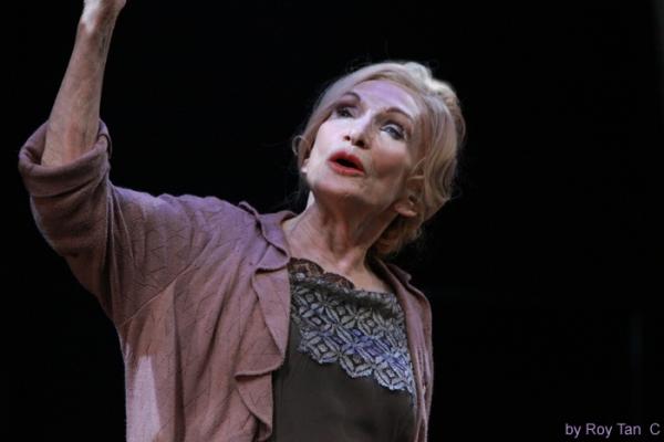 Sian Philips as Fraulein Schneider