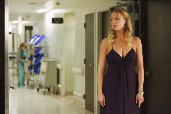 Photo Flash: Sneak Preview of REVENGE's 'Intuition' Episode, Airing 10/21