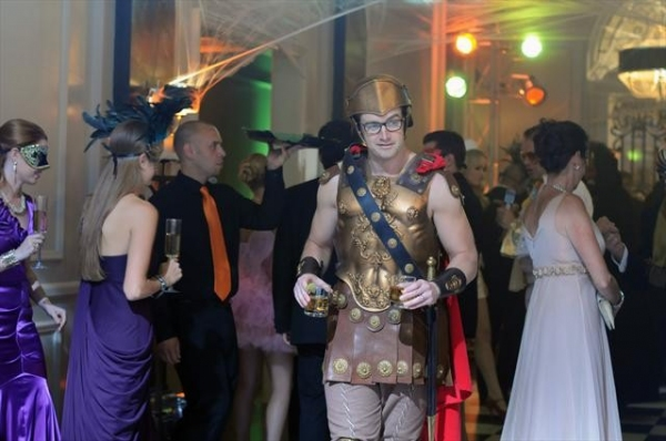 Photo Flash: Behind the Scenes - 666 PARK AVENUE's 'A Crowd of Demons' Episode, Airing 10/28