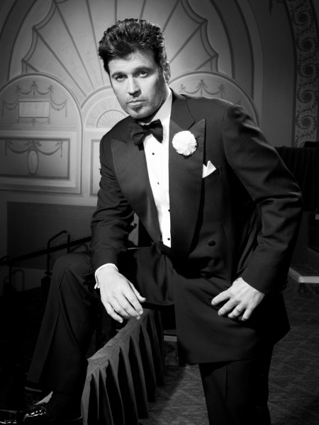 Photo Flash: First Look at Billy Ray Cyrus as CHICAGO's 'Billy Flynn'