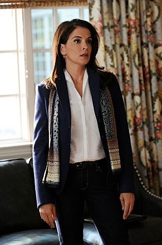 Annabella Sciorra at Dennehy, Ricci Among Guest Stars on CBS's THE GOOD WIFE