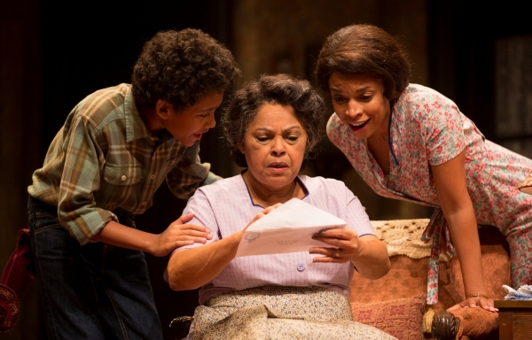 Photo Flash: First Look at Westport Country Playhouse's A RAISIN IN THE SUN, Directed by Phylicia Rashad