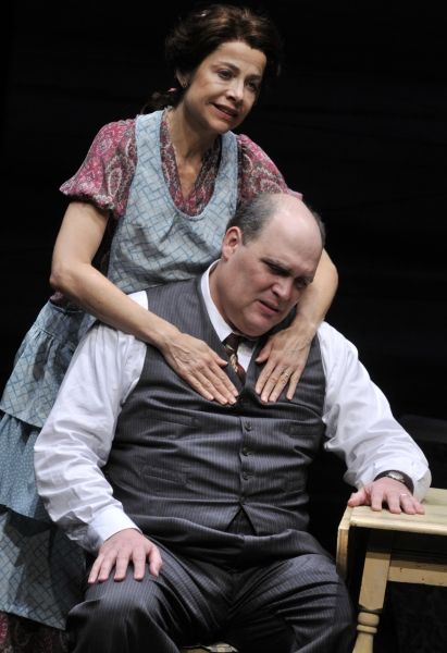 BWW Reviews: The Alley's DEATH OF A SALESMAN is a Beautifully Tragic Pristine Production