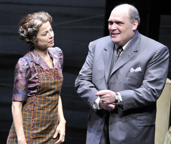 (Left to Right) Josie de Guzman as Linda and Glenn Fleshler as Willy Loman.