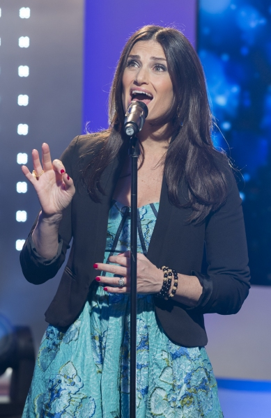 Photo Flash: Idina Menzel Performs 'Both Sides, Now' on UK's 'This Morning'!