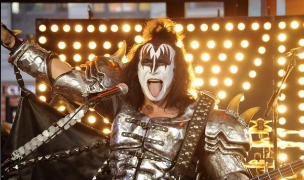 Photo Flash: KISS Performs on ABC's GOOD MORNING AMERICA