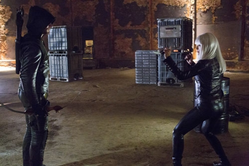 Photo Flash: First Look at ARROW's Upcoming Episode, 'Honor Thy Father,' 10/17