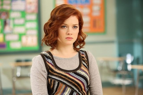JANE LEVY    at First Look at SUBURGATORY's Upcoming Episode, 'Foam Finger,' 11/7