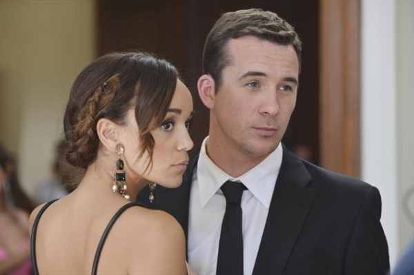 ASHLEY MADEKWE, BARRY SLOANE    at First Look at REVENGE's 11/4 Episode 'Illusion'