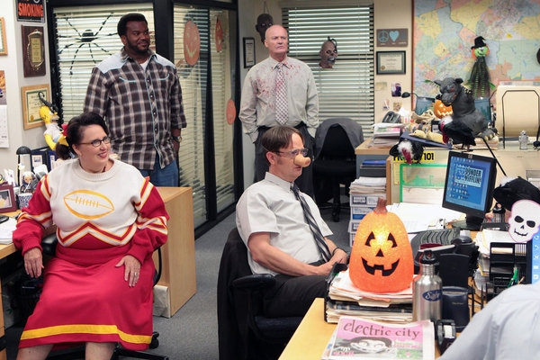 Phyllis Smith, Craig Robinson, Creed Bratton, Rainn Wilson  at First Look at THE OFFICE's Episode, 'Here Comes Treble,' 10/25