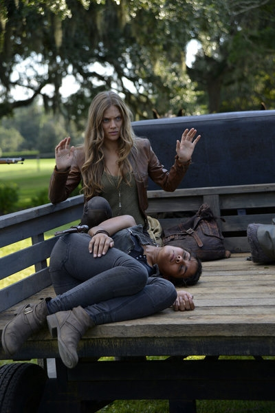 Photo Flash: First Look at REVOLUTION's Episode, 'Sex & Drugs,' 10/29