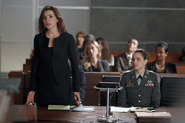 Julianna Margulies, Amanda Peet at First Look at THE GOOD WIFE's Episode, 'The Art of War,' 11/4