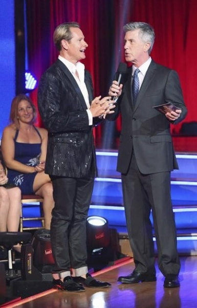 Carson Kressley,Tom Bergeron at Donny Osmond, Susan Boyle Perform on DWTS