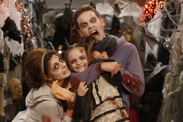Photo Flash: The Howls Are On NBC This Halloween!