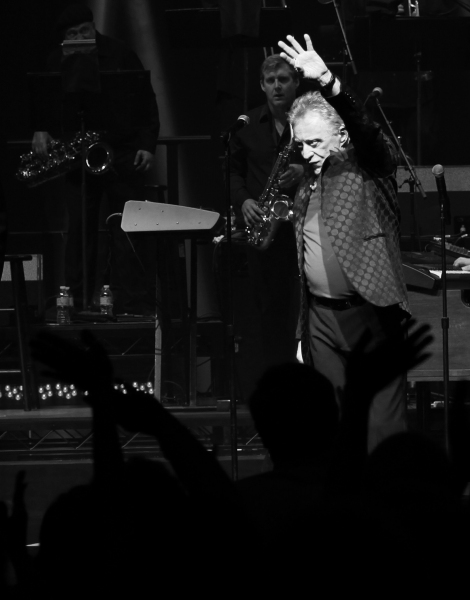 Photo Coverage: FRANKIE VALLI AND THE FOUR SEASONS Opens on Broadway - Curtain Call!