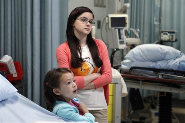AUBREY ANDERSON-EMMONS, ARIEL WINTER    at First Look at MODERN FAMILY's Episode, 'Arrested,' 11/7